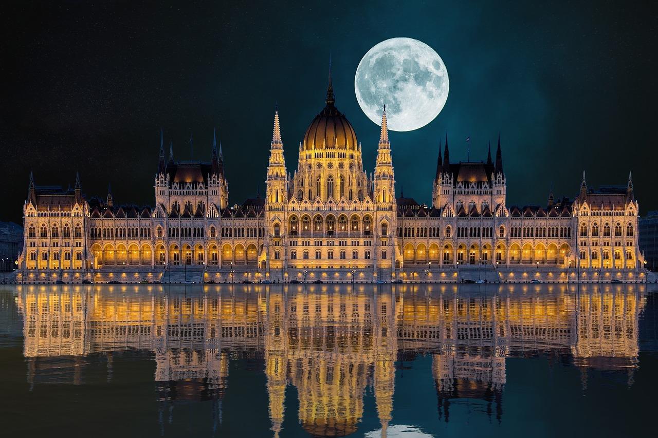 Budapeszt nocą - Geo Travel