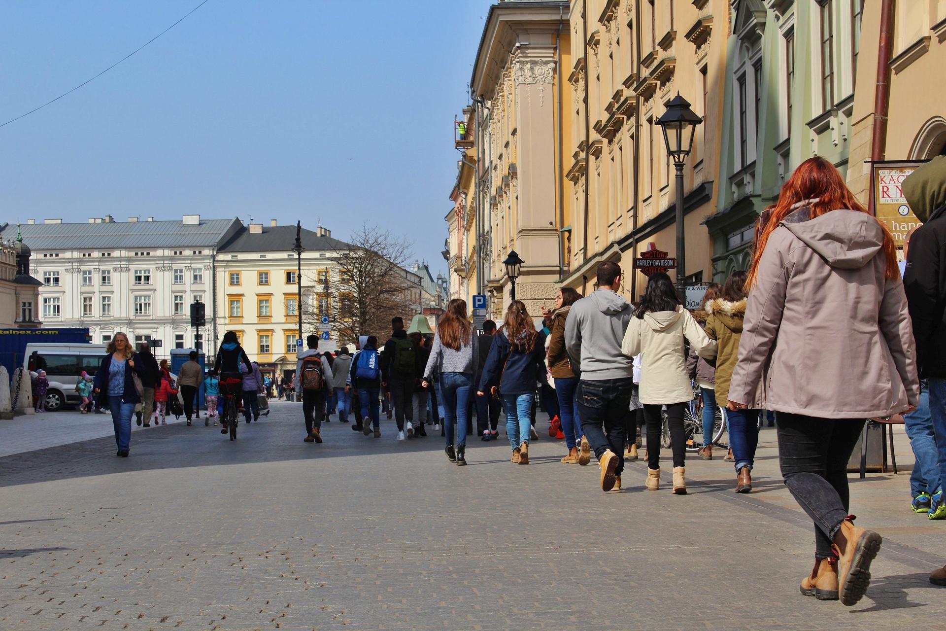 Turyści na rynku